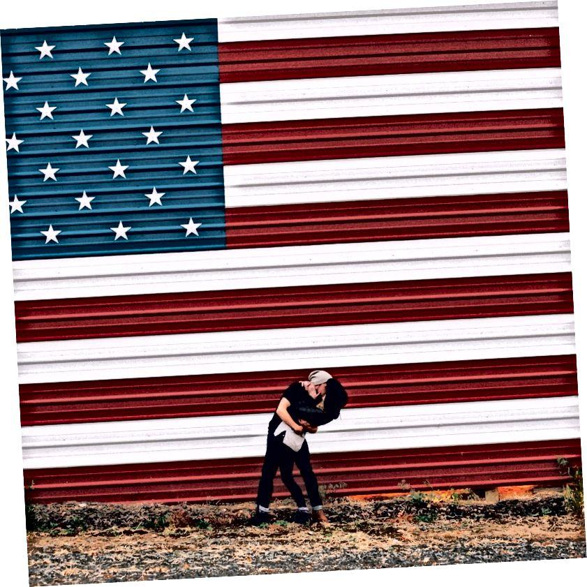 Nebezpečný nacionalismus nebo klasická americana? Vy rozhodujete. :) Foto, Dvacet20.