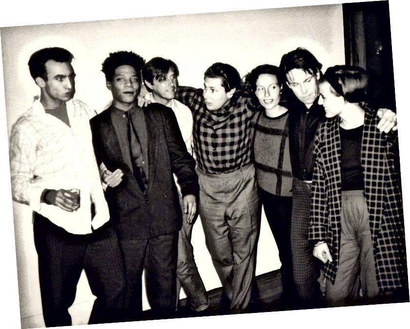 Andy Warhol, Foto Jean-Michel Basquiat, Bryan Ferry, Julian Schnabel, Jacqueline Beaurang, Paige Powell, dan lainnya di pesta Apartemen Julian Schnabel. Proyek Lindung Nilai