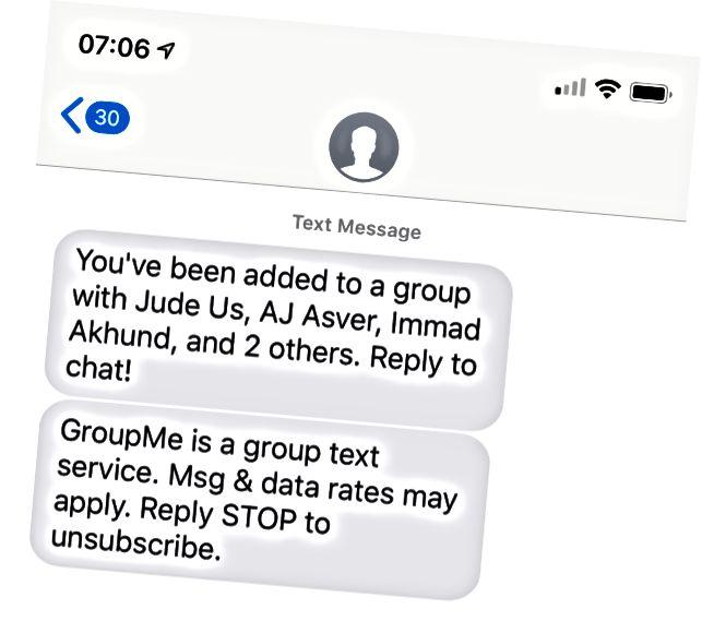 Fyrstu skilaboð GroupMe koma sem textar. Ríkari reynsla er fáanleg í forritinu.