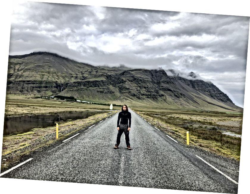 Tôi cố gắng không có kết quả với những người bạn thân của mình trong chuyến đi đến Iceland