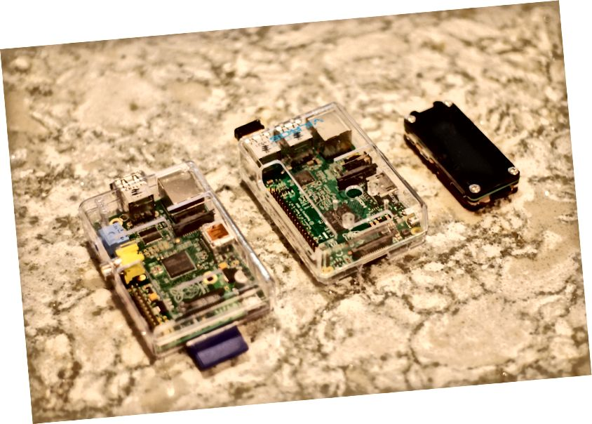 שלושה דורות של מכשירים - Gen 1, Gen 2 ו- Zero