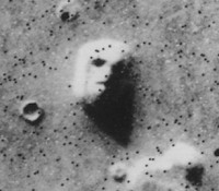 Was siehst du? Ein Gesicht? Oder ein Teil des Mars?