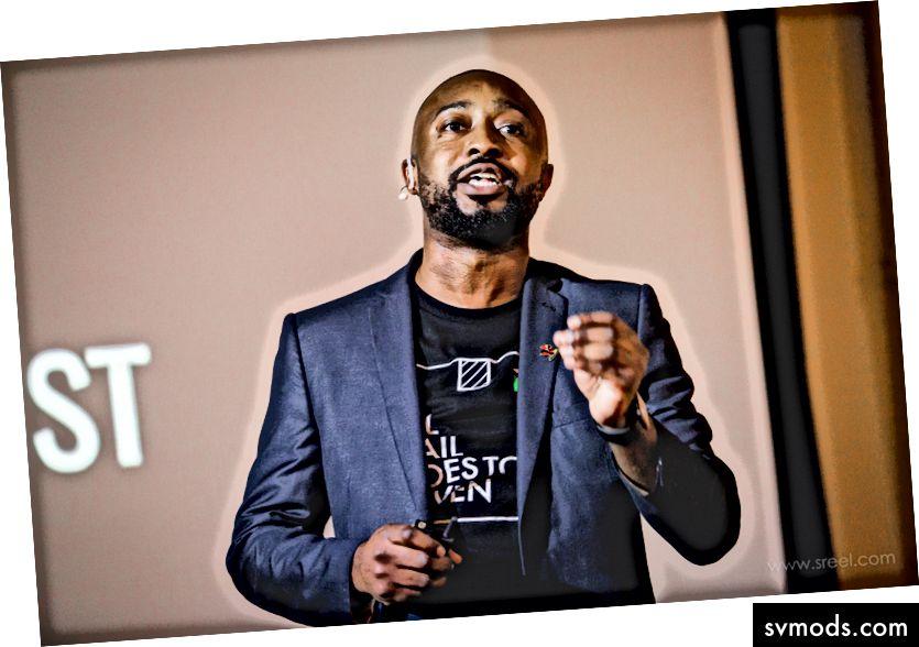 الرئيس التنفيذي لشركة MailHaven ، Kela Ivonye في يوم العرض التجريبي لـ 500 شركة ناشئة
