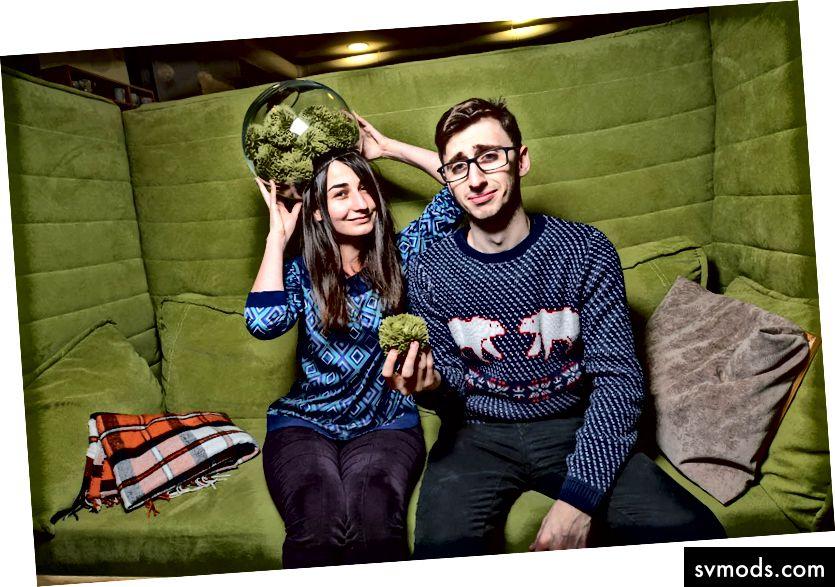 Lisa és Ahmed a Flawless App-ből
