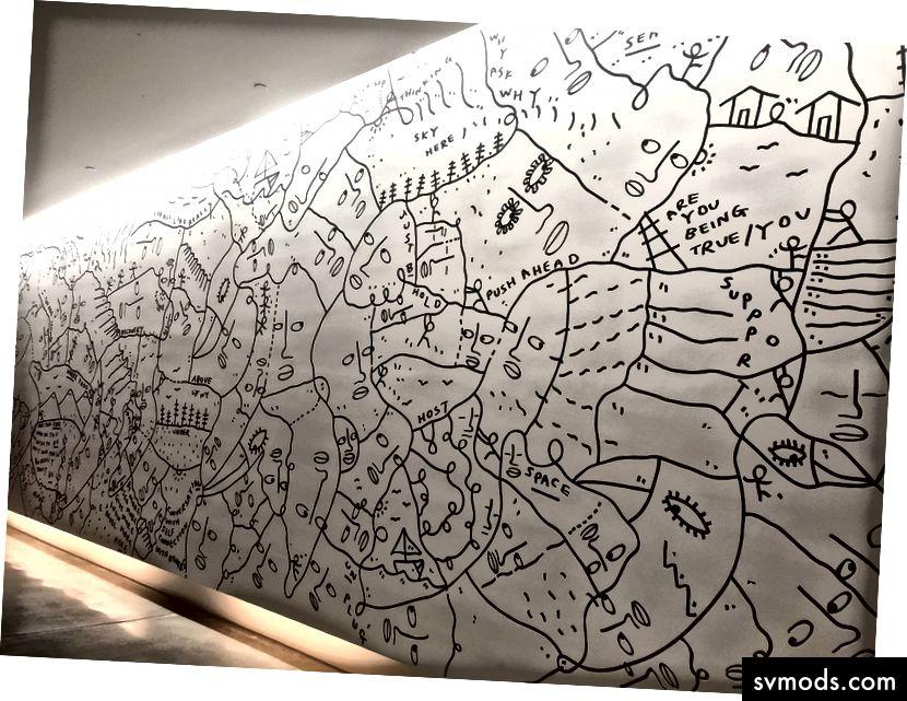 """""""Gunakan Suara Anda"""", oleh Shantell Martin, ditarik sendiri selama satu hari di HQ Airbnb"""