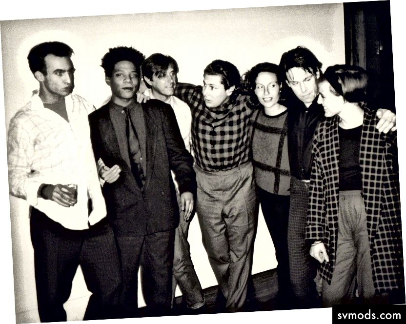 Andy Warhol, fotografia di Jean-Michel Basquiat, Bryan Ferry, Julian Schnabel, Jacqueline Beaurang, Paige Powell e altri durante una festa nell'appartamento di Julian Schnabel. Progetti di siepi