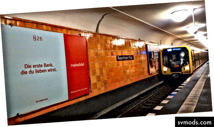 #NoBullshit a berlini U-Bahn-ban, a város közepén a startup Mekkában, Mitteben. Szerzői jog Tricia Levasseur.
