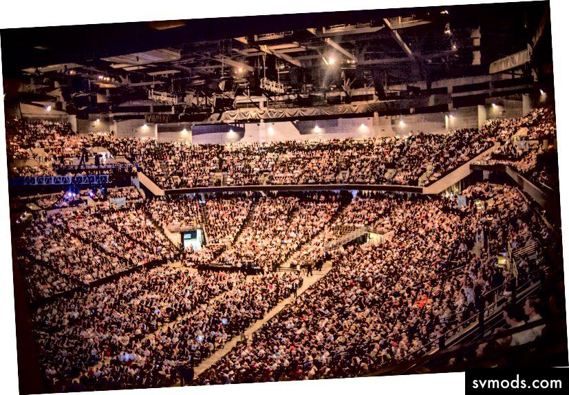 To je spousta lidí. (Foto: Russ Roe)
