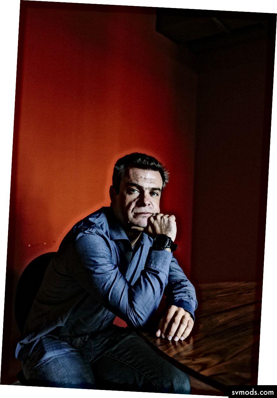 بافل تشيركاشين ، مستثمر روسي ، يحول كنيسة إلى مكان تقني يعتزم الاتصال بهاك تمبل ، في سان فرانسيسكو ، 5 أكتوبر ، 2017 - جيسون هنري / نيويورك تايمز