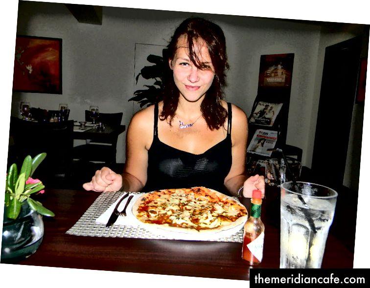 عندما حصلت على الطعام المسموم عدة مرات حتى أنني في النهاية أكل فقط في مطعم إيطالي واحد ...: