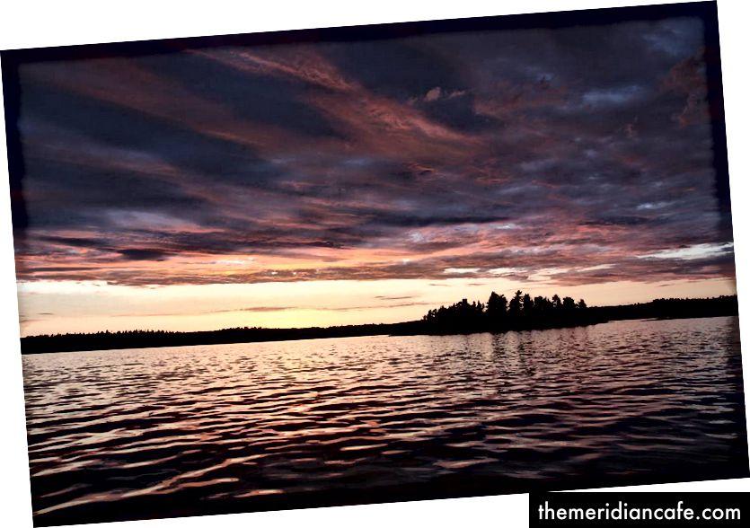 بحيرة ممطرة ، أونتاريو. الائتمان: مات هوفر ، https://www.instagram.com/p/BVfPiTOnRKK/