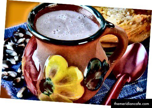 يمكن صنع Atolli أو Atole ، وهو مشروب ساخن مكسيكي تقليدي ، من قطيفة