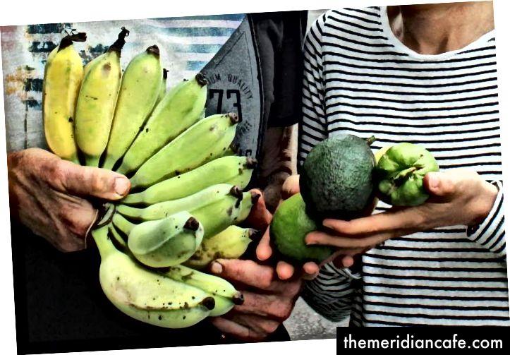 Uma seleção dos abundantes produtos da Urban Food Street de Buderim. Foto: Harriet Tatham
