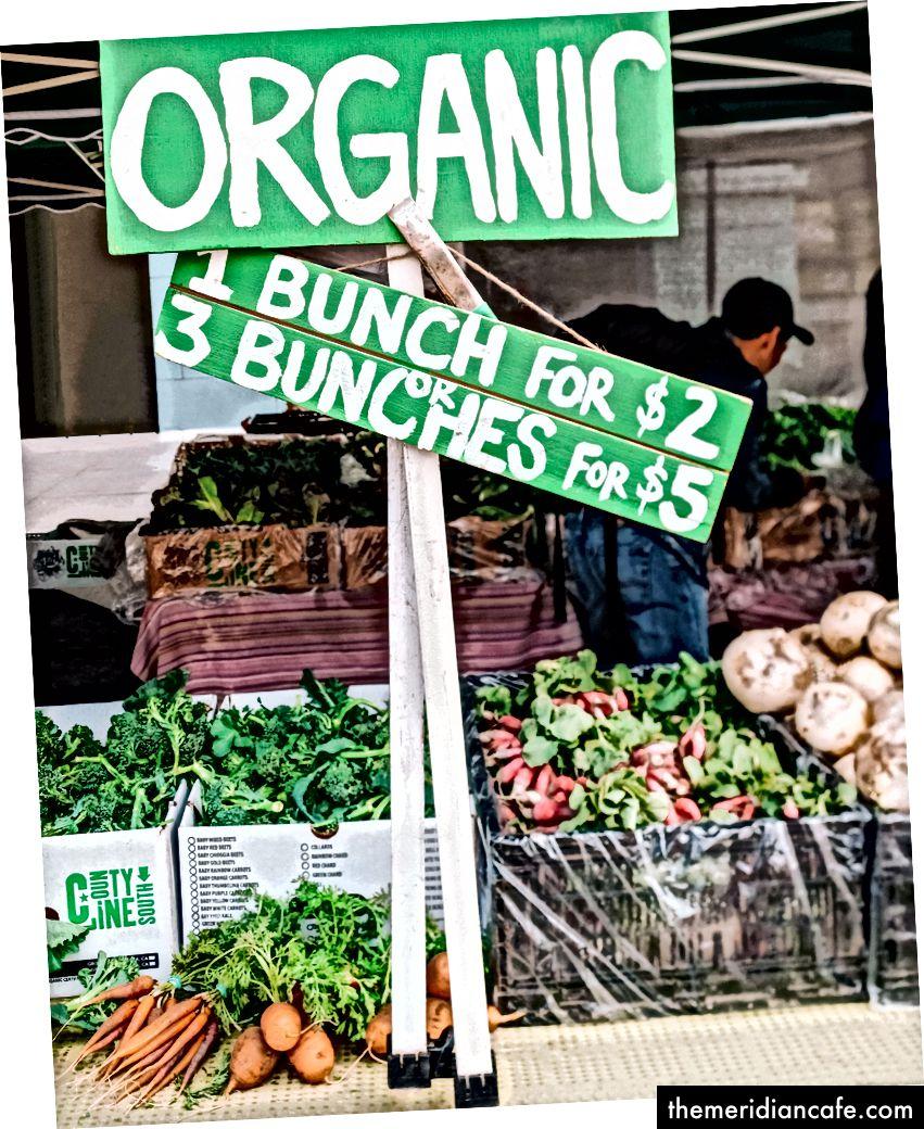 Ferry Plaza Bauernmarkt in San Francisco. März 2017. © Nina Gheihman