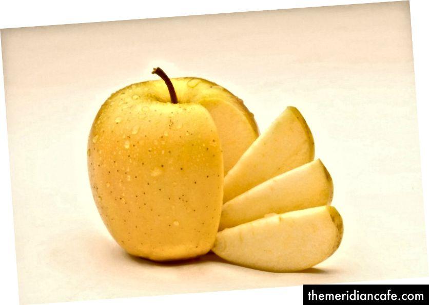 A Arctic Apple, que foi geneticamente modificada para não dourar. Crédito da foto: Okanagan Fruits Specialized via The Washington Post