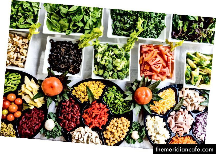 """Foto macro do lote de vegetais"" de Dan Gold na Unsplash"