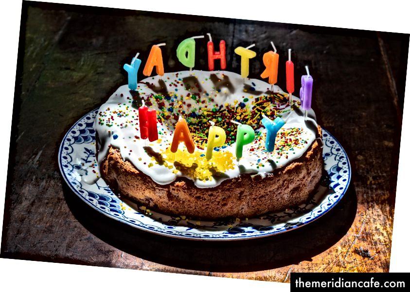 """""""Gâteau blanc glacé"""" de Christopher Martyn sur Unsplash"""