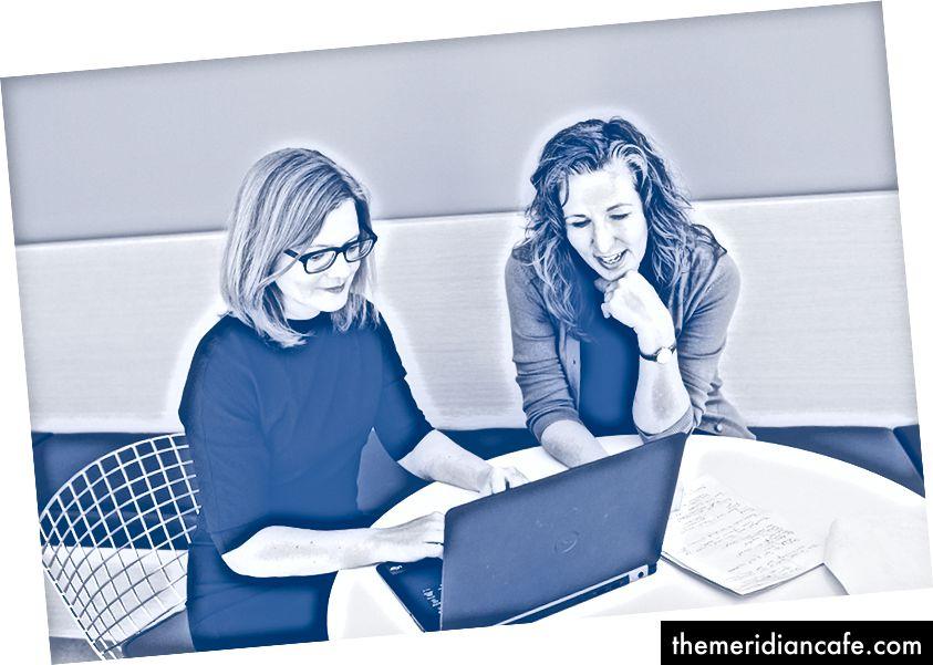 Laura Schmidt, ekspert ds. Polityki zdrowotnej (z prawej), który współpracuje z badaczem branży cukrowniczej Cristinem Kearnsem (z lewej). Zdjęcie: Saroyan Humphrey