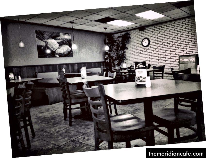 Видите те кабине позади? Ноћна мора дебеле особе. Бар овај ресторан има на располагању друге опције. Многи не. Фотографију Бењамин Цанизалес на Флицкр-у.