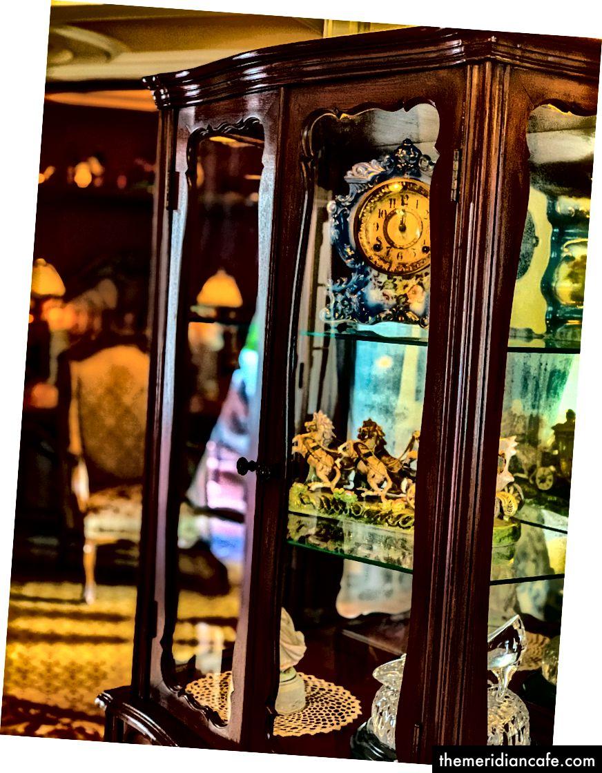 Acest ceas mi-a amintit de ceasul de vorbire din Frumusețea și Bestia