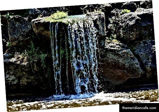 Przepływ wody na mokro od Pixabay