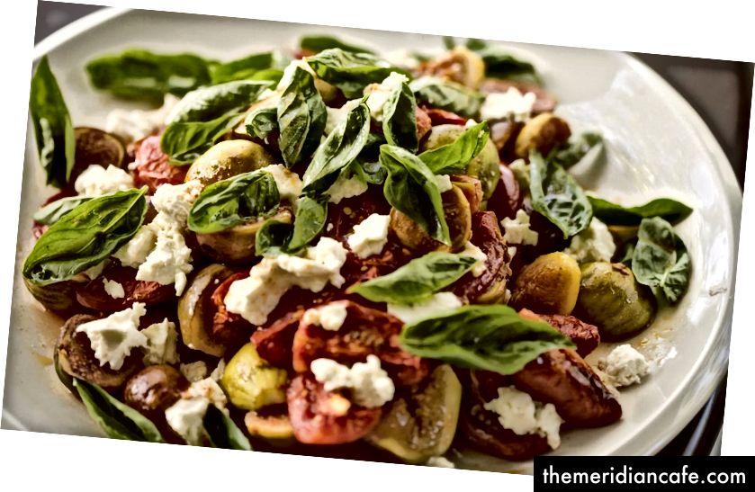 Les régimes à base de plantes sont riches en fruits, légumes, céréales complètes et légumineuses. Photo: Flickr / Charles Haynes