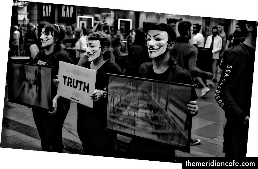 Anonymný pre neznepokojených (Foto Amin GhanimiFard)