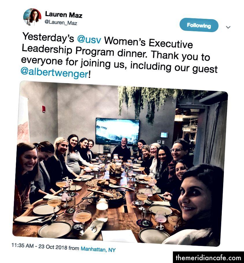 Un coup d'œil autour de notre table d'hier soir via https://twitter.com/Lauren_Maz/status/1054758176573321217