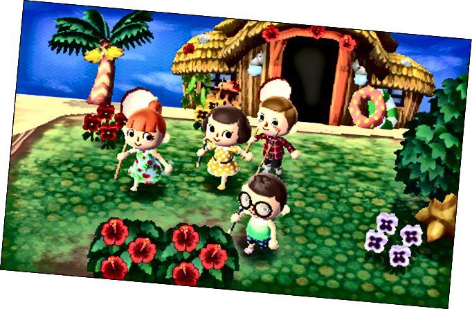 Quatre personatges davant una casa de platja a