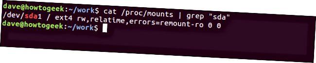 端末ウィンドウでの「cat / proc / mounts | grep 'sda'」コマンド。
