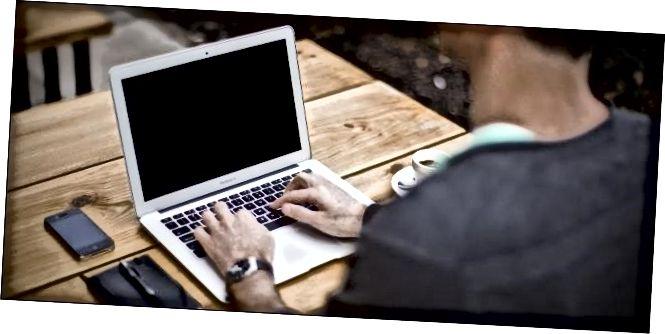 werken-op-een-macbook-air