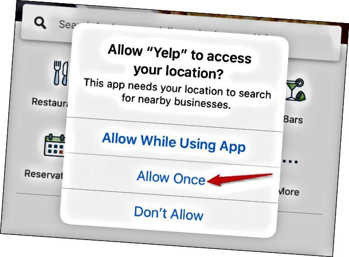 iPhoneでのYelpの位置情報アクセスの「1回のみ許可」オプション。