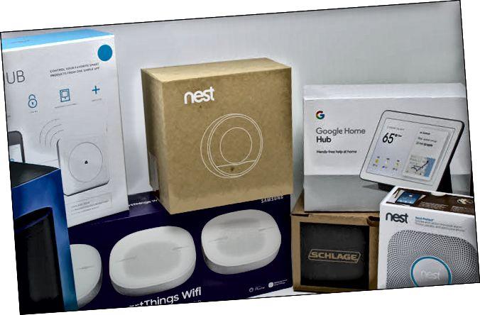 Θερμοστάτης φωλιάς, κλείσιμο του ματιού, Google Home hub, Eero, Echo και Schlage lock.