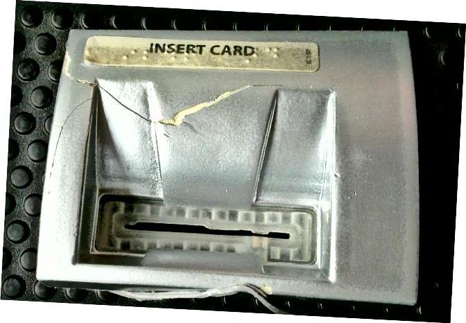 atm-skimmer-card-reader