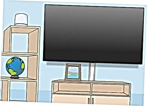 Tilslutning af tv'et til beslaget