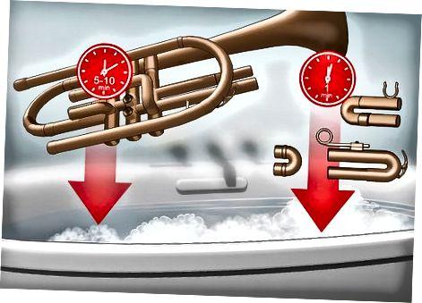 Rengøring af trompetkrop og dias