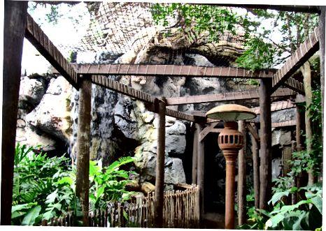 Discovery Island (The Hub)