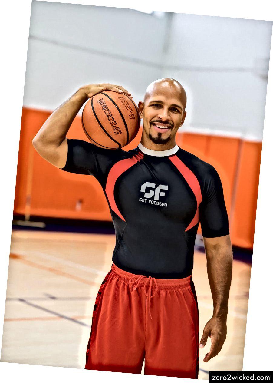 Som vuxen anställde Goldins basketlagkamrater tränare för att förbättra sitt spel. Goldin hade inte råd, men det planterade fröet att personlig träning kunde vara ett fast yrke.
