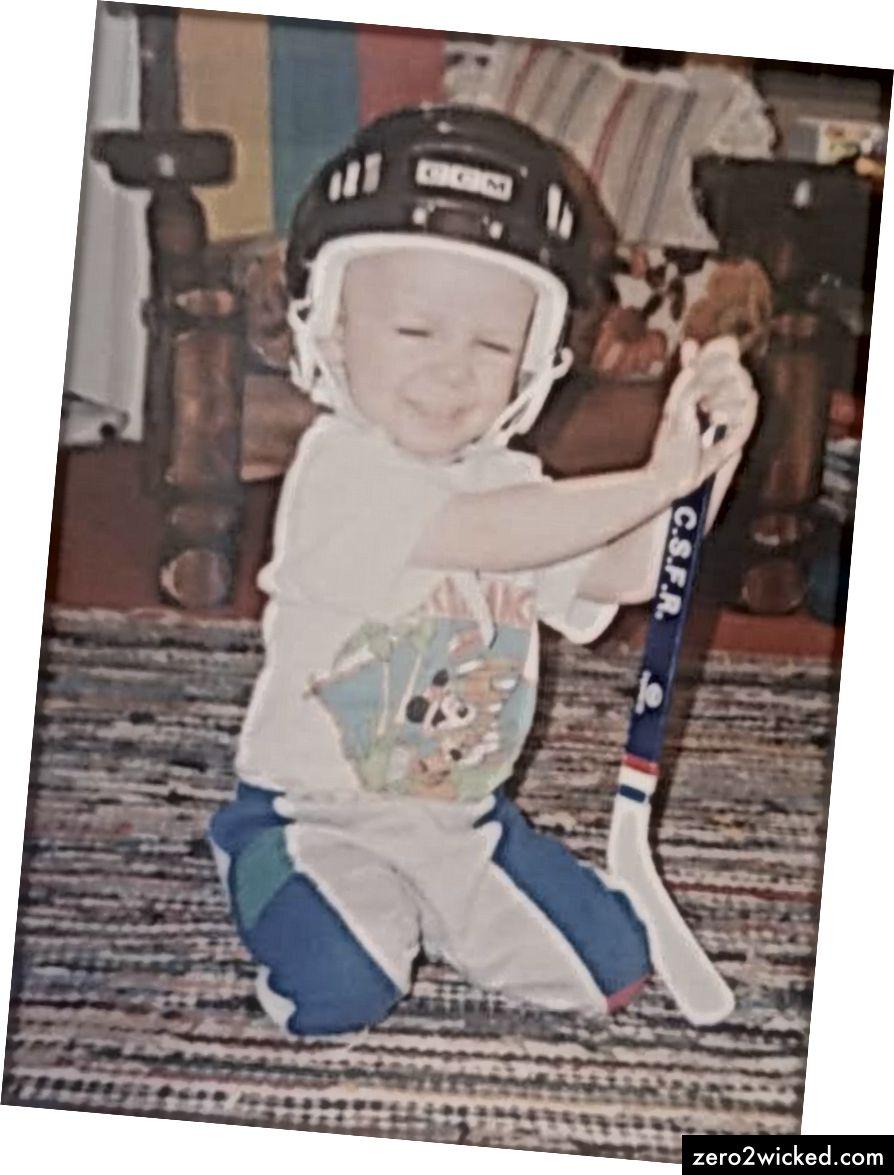 Пре фудбала, био сам велики љубитељ хокеја - као и сваки канадски клинац који је одрастао.