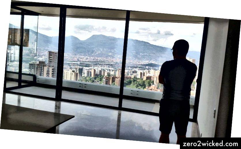 Наш стан у Медељину у згради К Цонцепт у Сан Луцасу.